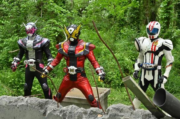 Kamen Rider Zi-O Over Quartzer – Movie Review – THE MAGIC RAIN